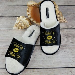 Marilyn Monroe fuzzy slippers NWOT Sz XL